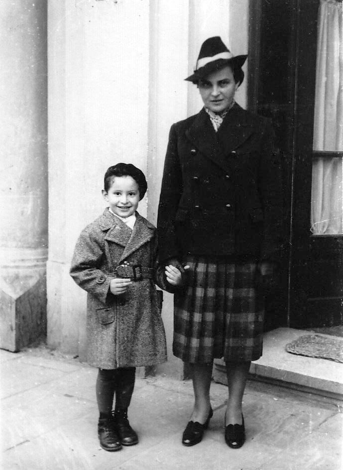 Henry Sinnreich and mother Claire (nee Honich) in 1939 Czernowitz when life was still good for a mother and her boy.