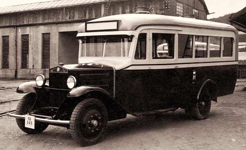 Autobuz_pt_Cernauti_inainte_de_livrare_1933